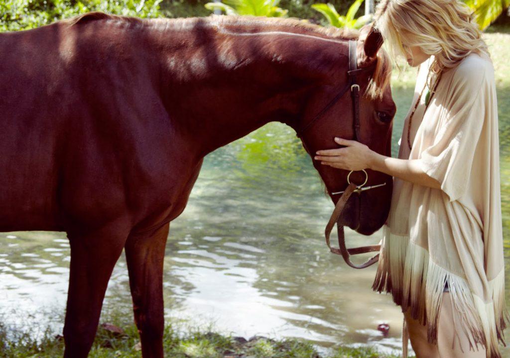 Million-Horse-slide-show-banner-sfeer-paardenhaar-sieraad