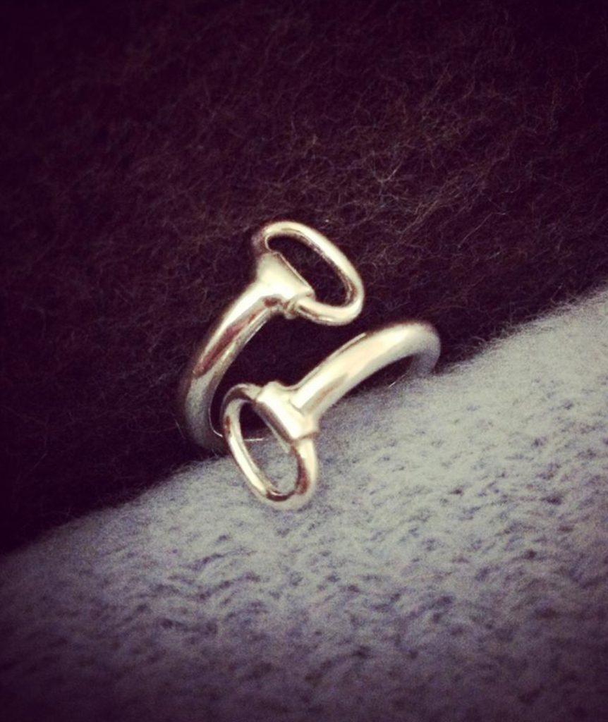 paarden ring - Million Horse - paarden sieraad – paarden ring zilver – Horsebit - Horsebit ring– million-horse – millionhorse – million-horses – ring laten maken– sieraad paard –paardensieraad – Horsebit Ring – 925 zilver – sterling zilver - silver